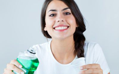 HOW TO USE MOUTHWASH